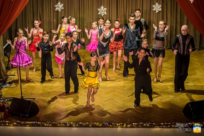 Karácsonyi műsor a művelődési házban © Siklósi Hírek - fotó: Kacsúr Tamás