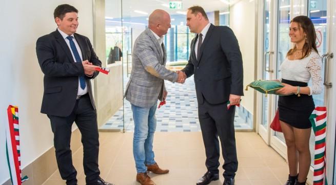 b-j: Marosi András igazgató, Tiffán Zsolt országgyűlési képviselő, Baksai Tamás Harkány polgármestere