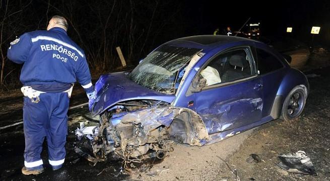 Három autó ütközött Pomáz közelében, egy ember életét vesztette. Fotó: Mihádák Zoltán, MTI