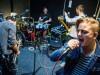 Siklósi Őrs, az AWS zenekar énekese fővárosi próbatermükben.  Fotó: Balogh Zoltán, MTI