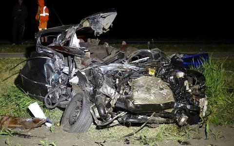 Túl gyorsan ment az az autó is, amelyik egy mezőgazdasági géppel ütközött szerdán Kétsoprony közelében. A sofőr meghalt. Fotó: Donka Ferenc, MTI