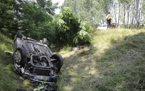 Árokba hajtott egy autó kedden Újhartyán közelében, egy ember meghalt. Fotó: Mihádák Zoltán, MTI