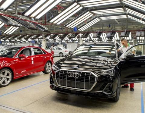 Audi Q3 modell az Audi Hungária Zrt. győri csarnokában. Fotó: Krizsán Csaba, MTI