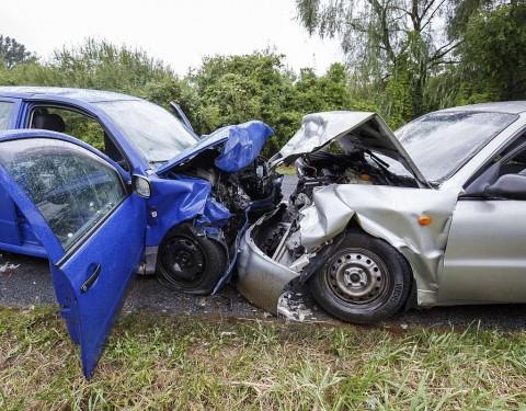 Baleset Zalalövõ és Zalacséb között. Két ember meghalt, öten megsérültek.  Fotó: Varga György, MTI