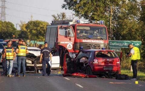 Négyen haltak meg egy balesetben a Bács-Kiskun megyei Apostag közelében. fotó: Donka Ferenc, MTI