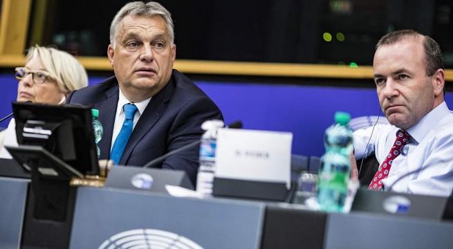 Orbán Viktor az Európai Néppárt (EPP) frakcióülésén. Fotó: Szecsődi Balázs, Miniszterelnöki Sajtóiroda