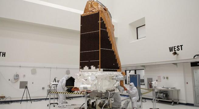 A teszteléshez előkészített Kepler űrteleszkóp a Cape Canaveral űrközpontban. Fotó: NASA