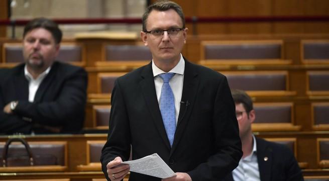 Rétvári Bence, az Emberi Erőforrások Minisztériumának parlamenti államtitkára . Fotó: Illyés Tibor, MTI