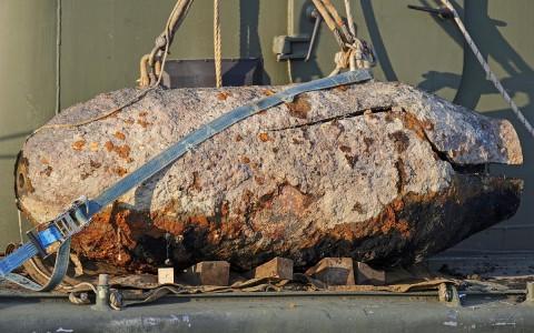 Az egyik bomba hatástalanítás után. Fotó: Lakatos Péter, MTI