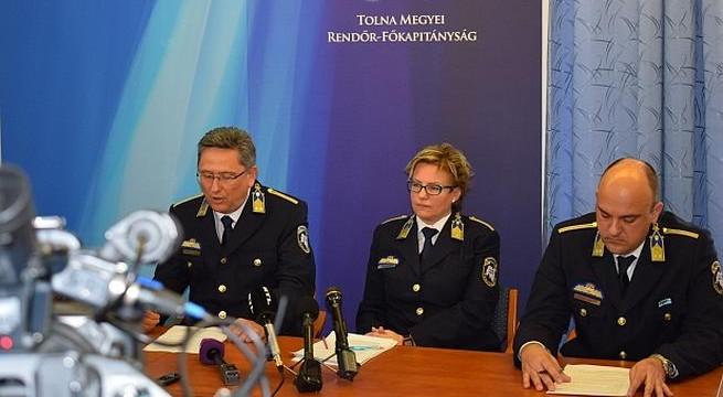 Rendőrségi felvétel - a hatóság már régóta teljesen felesleges szereplője a róla szóló híreknek