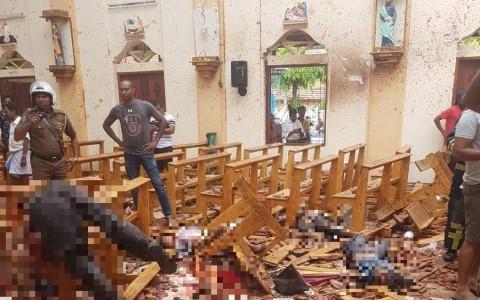 Robbantássorozat Srí Lankán - a közösségi hálókat azonnal elárasztották a borzalmas képek