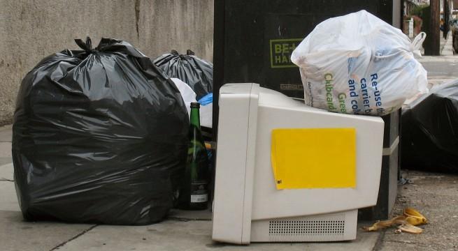 Nem viszik el az elektronikai hulladékot sem.