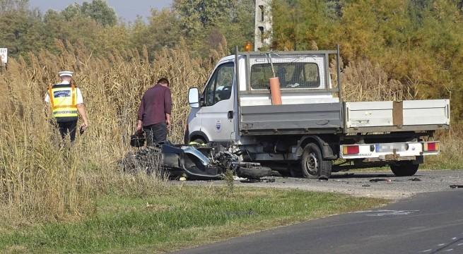 Halálos motorbaleset Szatymaz közelében. Fotó: Donka Ferenc, MTI