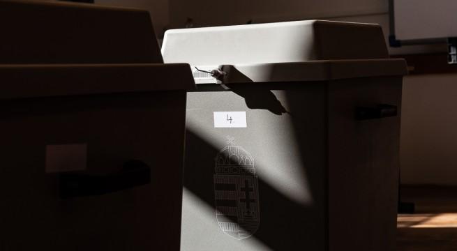 szavazas-urna-19