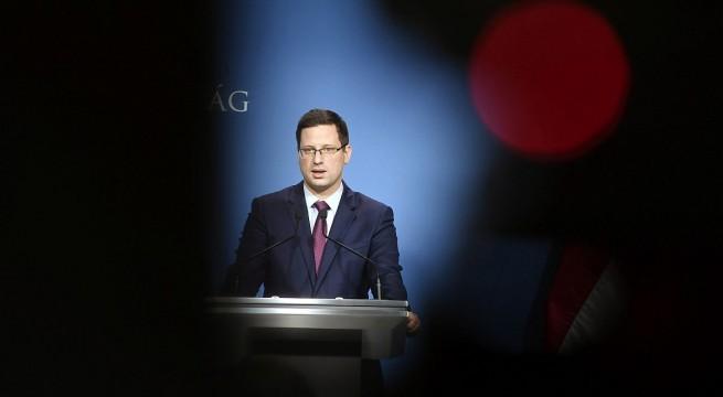 Gulyás Gergely Miniszterelnökséget vezető miniszter a tájékoztatón. Fotó: Koszticsák Szilárd, MTI