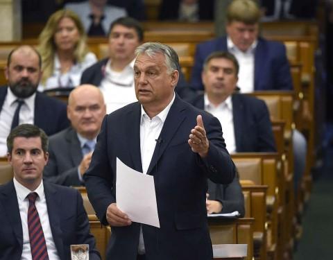 Orbán Viktor az Országgyűlés plenáris ülésén 2020. május 25-én.  Fotó: Bruzák Noémi, MTI