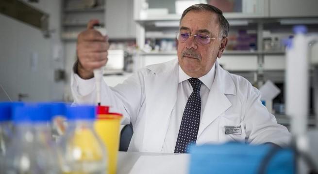 Kovács L. Gábor a kutatóközpont egyik laborjában. Fotó: Sóki Tamás