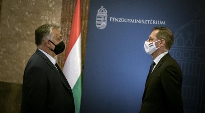 Orbán Viktor és Varga Mihály pénzügyminiszter. Fotó: Benko Vivien Cher