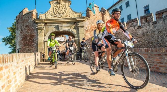 A siklósi vár udvarából indult a Buga Jakab kerékpártúra