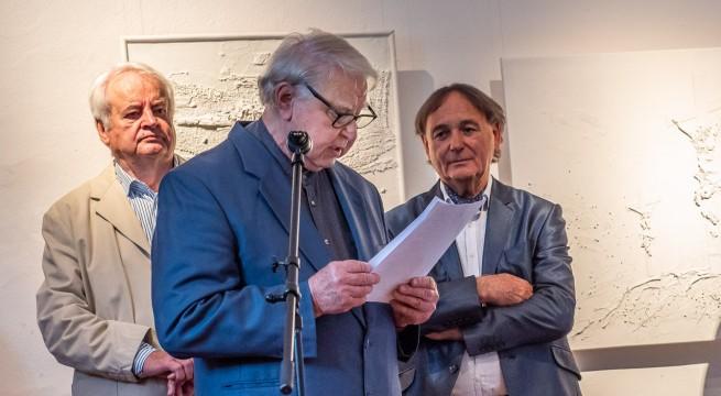 Trischler Ferenc (b), és Kovács Ferenc (j) kiállítását  Baky Péter (k) nyitotta meg.